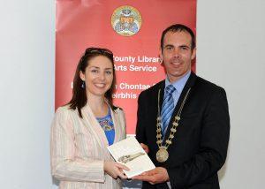 Jennifer receiving award from Cork Mayor